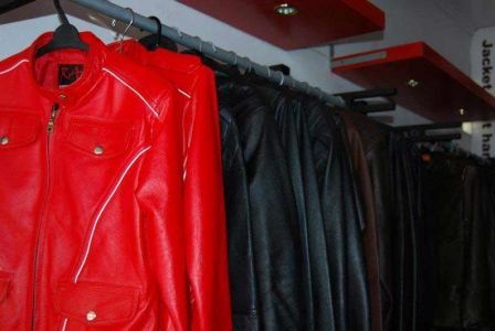 Display Jaket Kulit RA